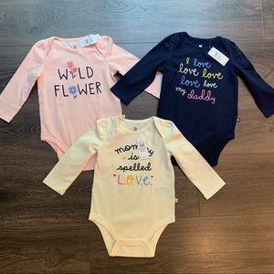 NWT Baby Gap Onesie Bodysuit Bundle, size 12-18 mo